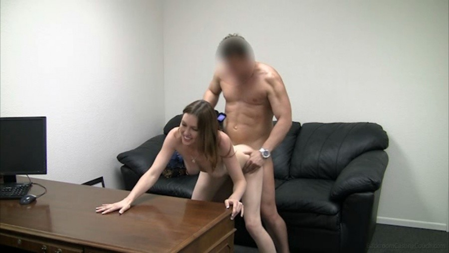Pornoaution-Castingcouch